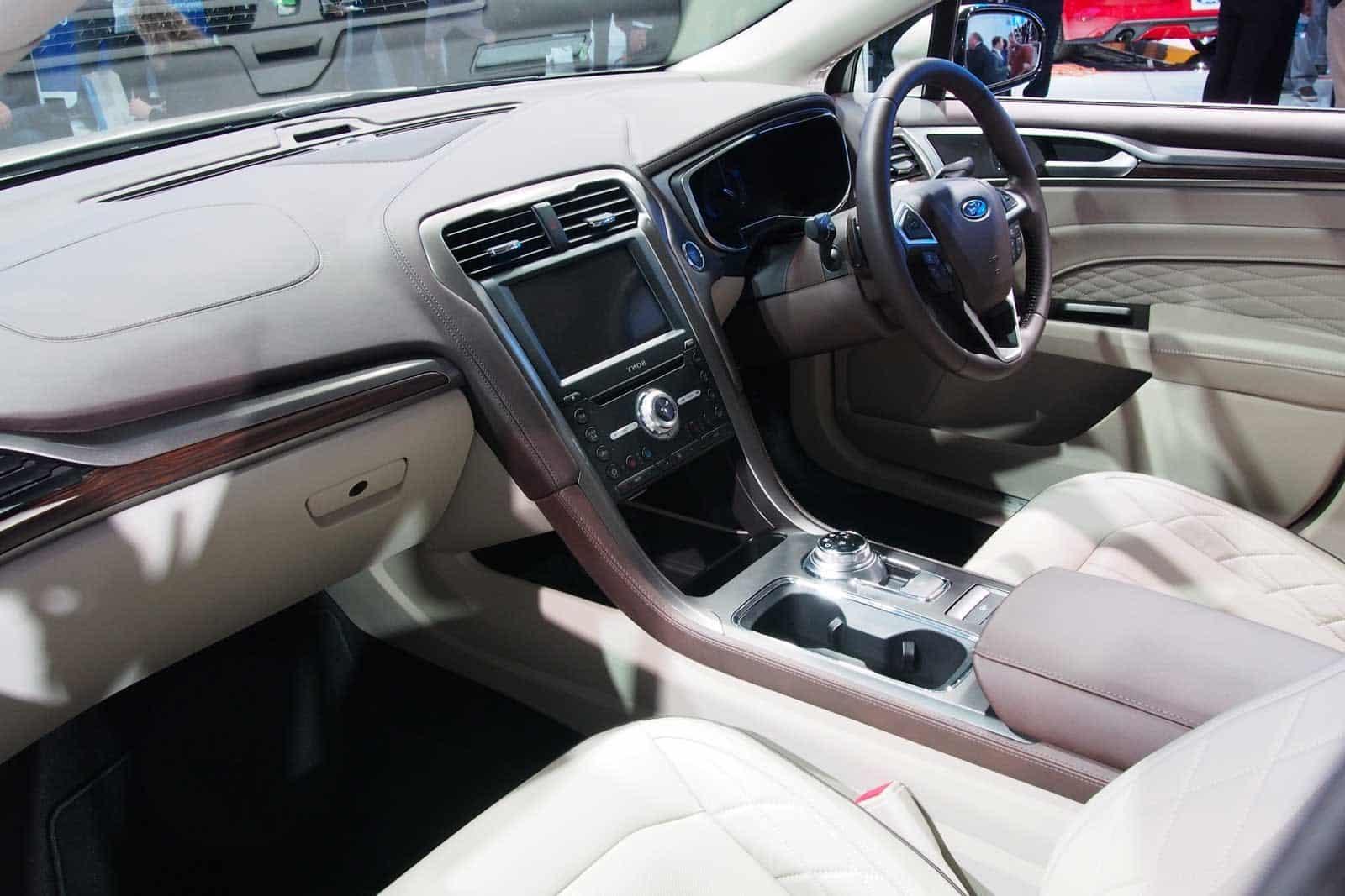 Ford Fusion 2017 interior