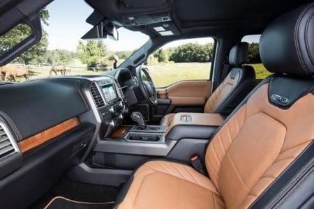 ford-lobo-platinum-interior