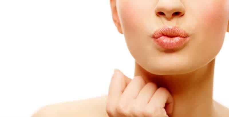 Hidratar tus labios y evita la resequedad con estos 4 remedios naturales